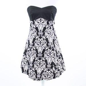 Black geometric WHITE HOUSE BLACK MARKET  dress 2